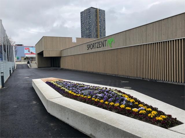 Zugang Sportzentrum